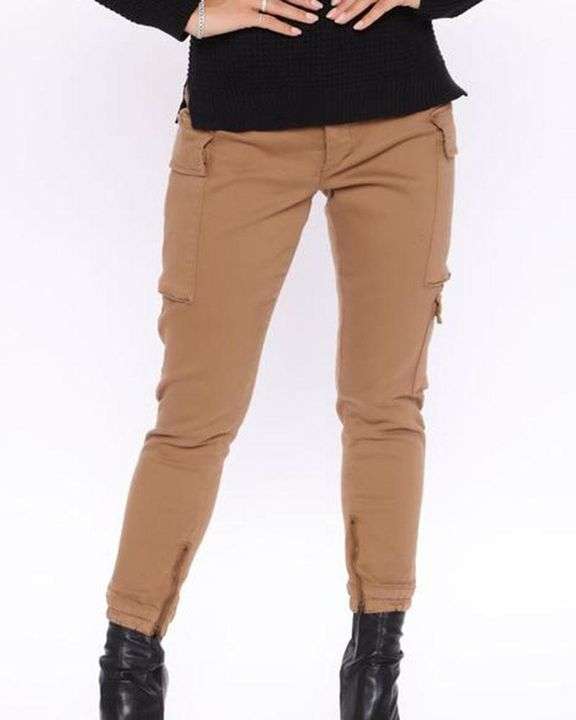 Solid Flap Pocket Side Mid Waist Joggers gallery 3