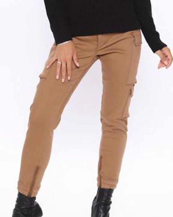 Solid Flap Pocket Side Mid Waist Joggers gallery 11