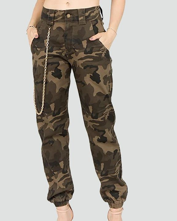 Camo Print Slant Pocket Mid Waist Tapered Pants With Chain gallery 1