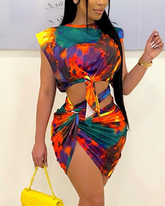 Tie Dye Knot Front Top & Twist Ruched Skirt Set gallery 1