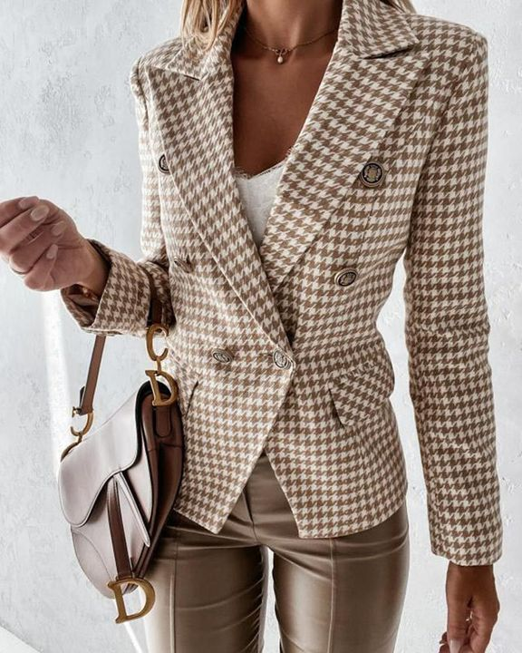Double Breasted Pocket Detail Lapel Neck Blazer gallery 4