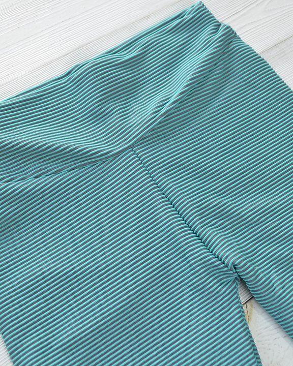 Pinstriped Ribbed Scrunch Butt High Waist Sports Leggings gallery 10