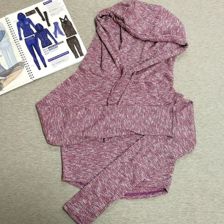 Hooded Crop Sweatershirt with Thumb Holes gallery 4