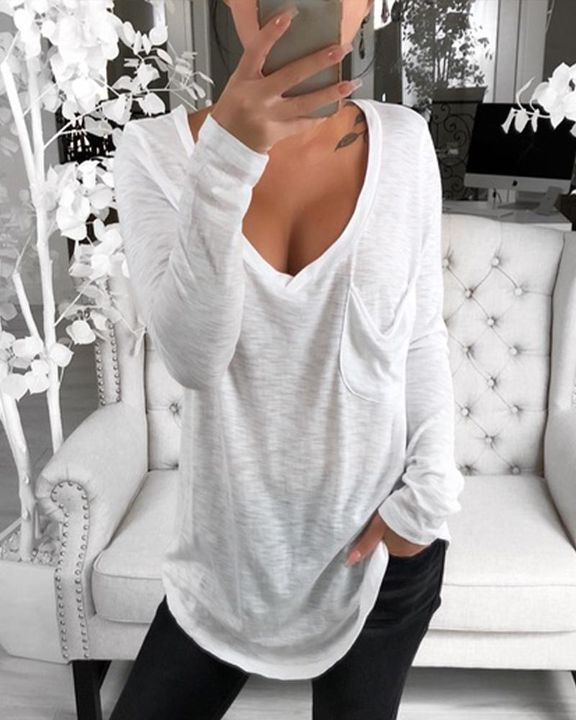 Solid Patch Pocket Plunging Neck Tee gallery 1
