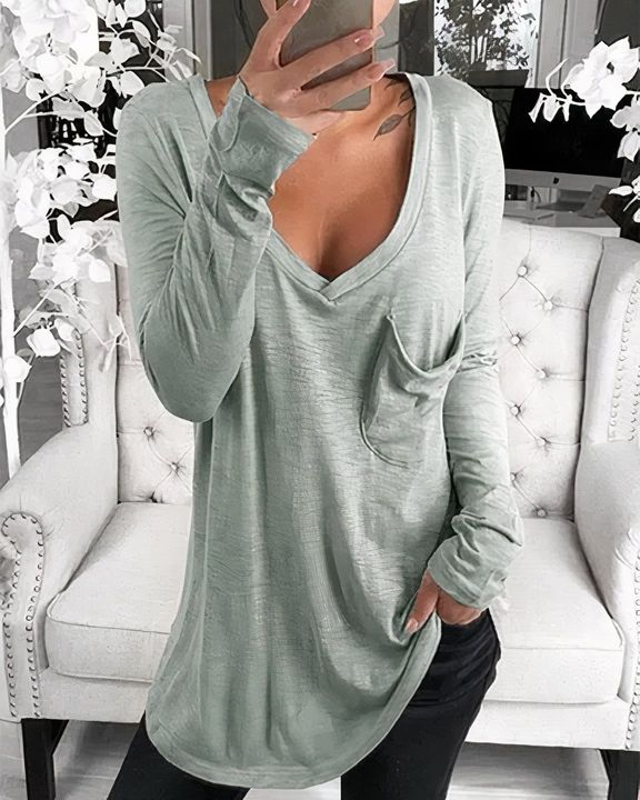 Solid Patch Pocket Plunging Neck Tee gallery 2
